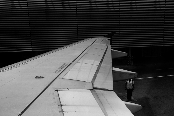airplane03bw_lres
