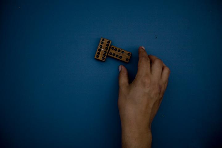 domino02_lres