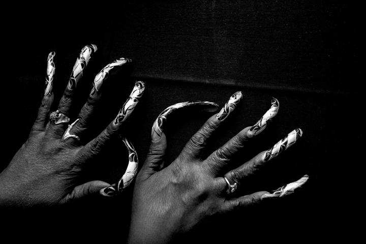 nailsbw_01_lres