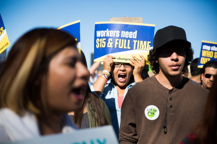 20141128walmartstrikers026
