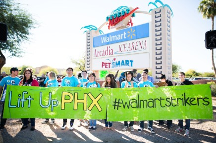 20141128walmartstrikers037